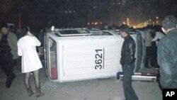 10月29日河南省汝南县街头被掀翻的执法车辆
