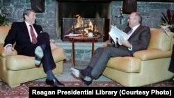 Рональд Рейган и Михаил Горбачев, Швейцария 1985 (архивное фото)