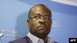 Le politicien congolais Delly Sesanga lors d'une conférence-débat des forces politiques et sociales acquises au changement en RD Congo, à Bruxelles, 30 avril 2017