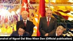 Tư liệu: Hai đảng cộng sản của Việt Nam và Cuba ký kết thỏa thuận hợp tác, cuối tháng 3/2018.