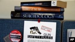 El sistema más utilizado para quitarse la vida en EE.UU. entre los hombre es el uso de armas de fuego.