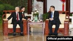 Tổng Bí thư Việt Nam Nguyễn Phú Trọng hội đàm với Chủ tịch Trung Quốc Tập Cận Bình ngày 12/01/2017 tại Bắc Kinh. (Ảnh: TTXVN)