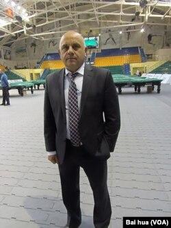 俄罗斯台球协会副主席菲尔索夫 (美国之音白桦拍摄)