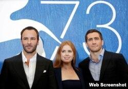 تام فورد، کارگردان همراه با ستارگان فیلم «حیوانات شبانه» - ایمی ادمز و جیک جیلنهال - در جشنواره ونیز