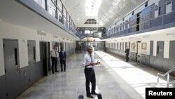 2015年7月6号,美国总统奥巴马视察俄克拉荷马州俄克拉荷马市艾尔里诺联邦惩教所时,呼吁监狱改革。
