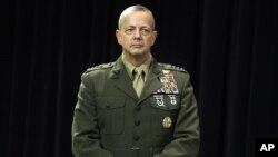 Ðại Tướng John Allen, Tư lệnh các lực lượng Hoa Kỳ tại Afghanistan.