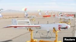 ایران کے مشقوں کے دوران ڈرون استمال کیے جانے والے ڈرون۔
