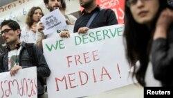 Protest povodom Svetskog dana slobode medija u Tbilisiju, u Gruziji