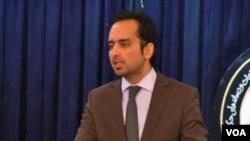 آرشیف: ایمل فیضی، سخنگوی رئیس جمهور پیشین افغانستان، هنوز هم یکی از همکاران نزدیک حامد کرزی است.