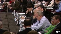 SHBA: Komisioni për shkurtimin e borxhit rekomandon kursime drastike