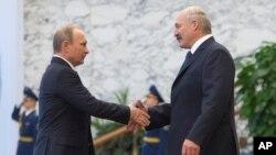 Putin va Lukashenko