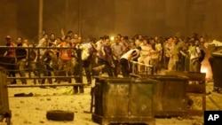 Cторонникам свергнутого президента Мохаммеда Мурси на улицах Каира. 15 июля 2013г.