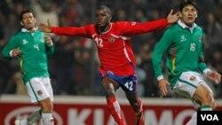 El costarricense Joel Campbell anotó el segundo gol para su selección y se convirtió en el mejor jugador de la noche.