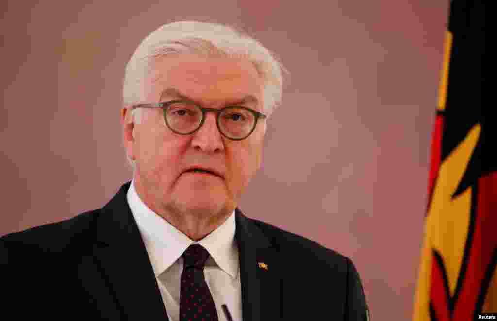 """德国总统施泰因迈尔在2017年11月20日。路透社从德国大使馆获得的施泰因迈尔在四川大学的演讲稿说,马克思的思想并没有停留在理论上,""""我们德国人在想到马克思的时候不能不想到以他的名字命名的马克思主义为东德和东欧所带来的浩劫,和铁幕之下那段压抑的历史。"""""""