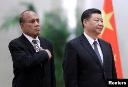 中國國家主席習近平在北京人大會堂會晤到訪的基里巴斯總統馬茂。(2020年1月6日)