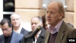 Uluslararası Yazarlar Birliği PEN başkanı John Ralston Saul