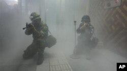 지난해 8월 미-한 을지 프리덤 가디언 훈련의 일환으로 서울역에서 실시된 대테러 훈련. (자료사진)