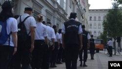 په بوداپست کې د ملت پال غورځنگ رضاکاران د کډوالو پر ضد په یوه غونډه کې گډون کوي.