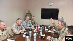 ABD Genelkurmay Başkanı Joseph Dunford ile Genelkurmay Başkanı Orgeneral Hulusi Akar, 17 Şubat günü Ankara'da görüştü