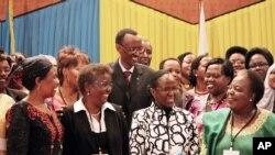 Rais wa Rwanda Paul Kagame wakati wa kongamano kuhusu wanawake na siasa nchini Rwanda May 17 2010