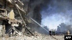 Cảnh tàn phá của một vụ khủng bố bằng xe cài bom ở Iraq