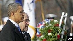 美国总统奥巴马和伊拉克总理马利基12月12号向阿林顿公墓无名英雄碑敬献花圈
