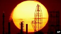 El objetivo de la estrategia de la OPEP de mantener los niveles de producción es un intento por hacer que los precios repunten luego de 12 años de niveles bajos.