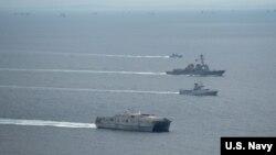 美國海軍艦船2016年11月16日在南中國海參與演習