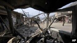폭탄 테러가 발생한 '다라 아담 켈' 지역의 현장 사진