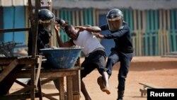 Quatre morts dans des violences liées à la candidature d'Alassane Ouattara