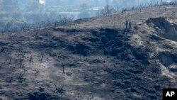 2014年5月16日面对被野火蹂躏的峡谷