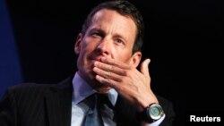 Pengadilan di negara bagian Texas, AS menolak permintaan Lance Armstrong untuk membatalkan gugatan perusahaan asuransi (foto: dok).