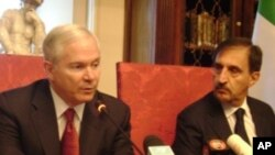 U.S. Defense Secretary Robert Gates and Italian Defense Minister La Russa speaking to reporters in Rome, Italy, 7 Feb 2010