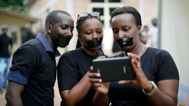 Burundi Journalists Protest Closing of Radio Station