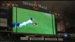 У США завершується чемпіонат з бейсболу. Цього року до фіналу особлива увага - через Г'юстонську команду. Відео