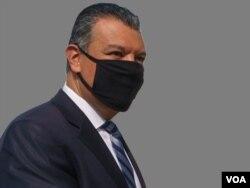 ARCHIVO - Alex Padilla, secretario de Estado de California, en fotografía oficial. Ahora ocupa la vacante dejada en el Senado federal por Kamala Harris, quien pasó a ocupar la vicepresidencia del país.
