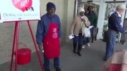 Ketel Merah Salvation Army Galang Dana Akhir Tahun