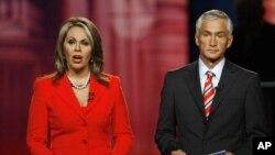 Los presentadores de Unisvisión, María Elena Salinas y Jorge Ramos, condujeron los debates presidenciales individuales que la cadena hispana realizó con Barack Obama y Mitt Romney.