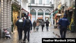 布鲁塞尔平时游客众多的街道,在高度警戒下,变得冷冷清清(2015年11月24日)