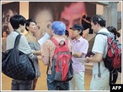 画家与观众交流