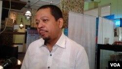 Pengamat politik dari Indo Barometer, M. Qodari, dalam sebuah diskusi di Jakarta, Sabtu (27/6). (VOA/Iris Gera)