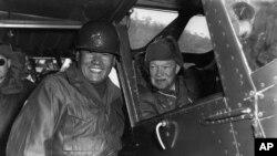 U.S. President-elect Dwight D. Eisenhower prepares to depart South Korea on Dec. 4, 1952.