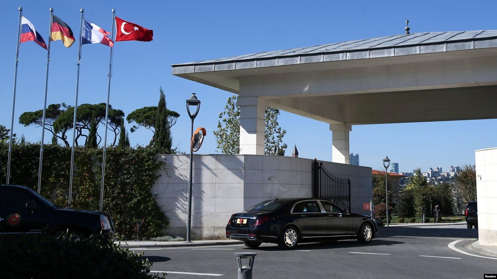 В Турции проходит четырехсторонний саммит по Сирии без участия США