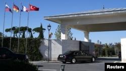 Президент Турции Реджеп Тайип Эрдоган прибывает в свою резиденцию в Стамбуле, 27 октября 2018 года