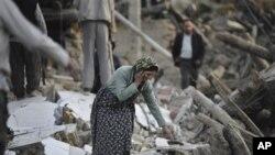 이란 북서부 타브리즈시 인근에서 발생한 지진으로 인해 붕괴된 가옥