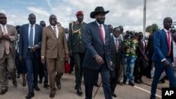 Le président du Soudan du Sud, Salva Kiir, à l'aéroport de Juba, au Soudan du Sud, le 22 juin 2018.