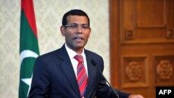 Việc ông Nasheed từ chức hôm nay diễn ra sau khi những cảnh sát nổi loạn chiếm trụ sở đài truyền hình nhà nước ở thủ đô Male và phát đi lời kêu gọi ông từ chức