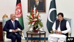 အာဖဂန္နစၥတန္သမၼတ Ashraf Ghani နဲ႔ ပါကစၥတန္ဝန္ႀကီးခ်ဳပ္ Imran Khan (ဇြန္၊ ၂၇၊ ၂၀၁၉)
