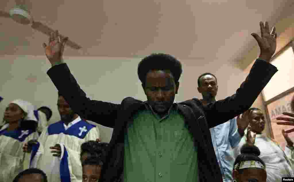 Sirna kadhannaa fi yaadannoo namoota mormii Oromiyaa irratti ajjeefamanii waldaa kiristaanaa Beetel Luutiraanitti geggeeffame Finfinnee Fulbaana 11, 2016