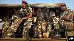 Des soldats camerounais intervenant en Centrafrique, près de Bangui, le 3 janvier 2013.